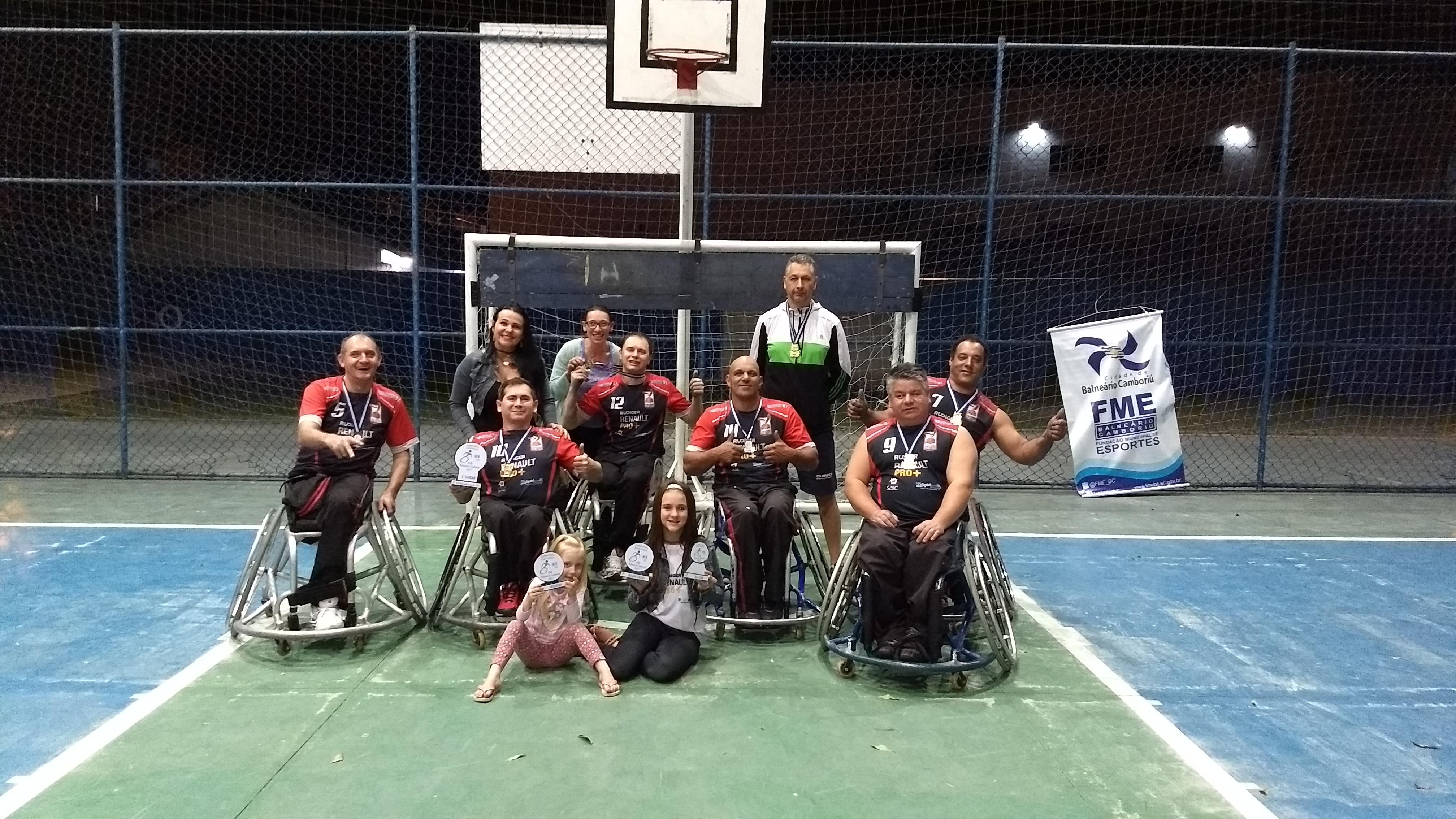 Equipe de Chapecó conquista etapa Catarinense de Handebol em Cadeira de  Rodas 31a17b9cc28fd