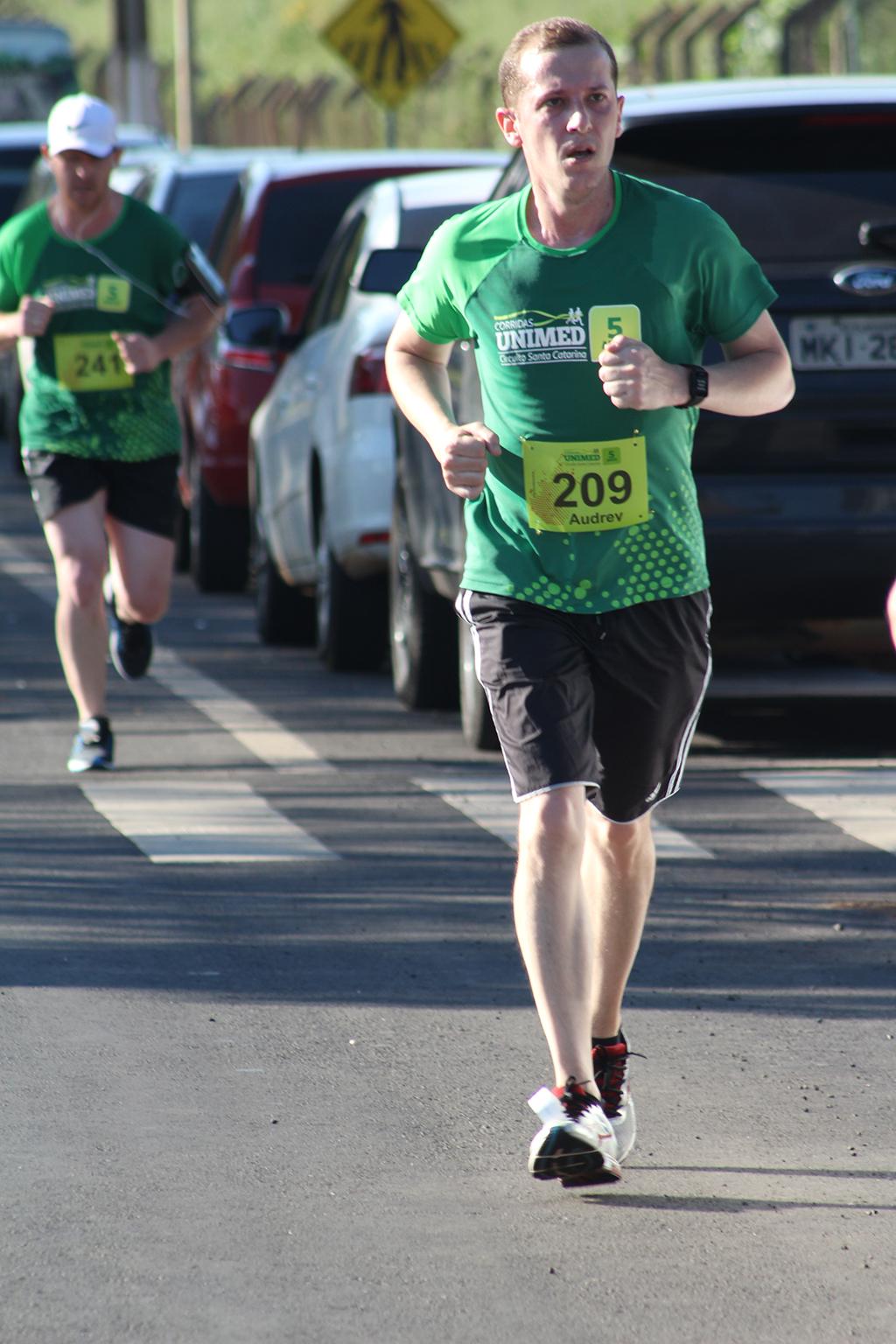 Circuito Unimed : Di online circuito unimed reúne mais de mil corredores em chapecó